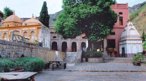 pakistan-s-top-islamic-advisory-body-recommends-opening-of-abandoned-temple-in-islamabad